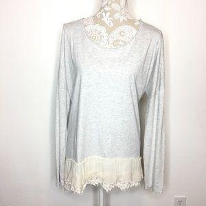 Sundance Gray Knit top Cream Ruffle Hem MED 152